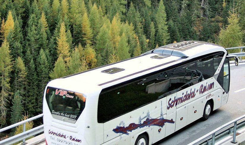 Aluguer autocarro : cinco razões em comparação a tomar o avião